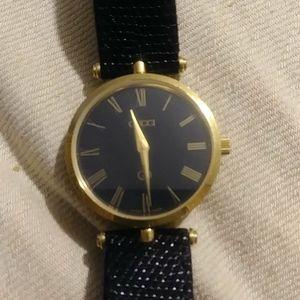 Gucci swiss quartz Roman numeral wrist watch
